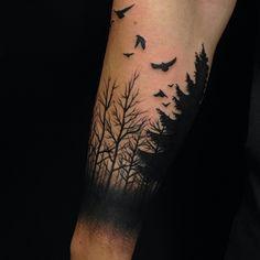 El bosque negro!!!! #bosque #wood #blacktattoo #inkdelible #inked #ink#tattoo…