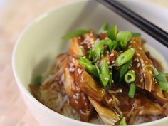 This delicious, sticky sweet slow cooker teriyaki chicken has a hint of ginger, garlic and honey. Pop it into the slow cooker and come home to a delicious meal. Chicken Teriyaki Recipe, Slow Cooked Chicken, Slow Cooked Meals, How To Cook Chicken, Slow Cooker Massaman Curry, Slow Cooker Pumpkin Soup, Slow Cooker Bolognese, Pressure Cooker Recipes, Healthy Recipes