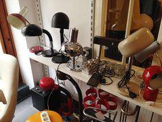 Vintagesammlung: Kleiderung, Lampen, Wohnaccessoires, günstig kaufen und gratis inserieren auf willhaben.at!