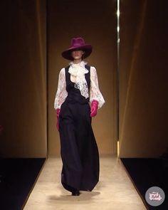 Paris Fashion, Runway Fashion, Fashion Show, Autumn Fashion, Womens Fashion, Fashion Pants, Fashion Dresses, Women Church Suits, Velvet Fashion