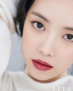 korean makeup – Hair and beauty tips, tricks and tutorials Kpop Girl Groups, Korean Girl Groups, Kpop Girls, Apink Naeun, Son Na Eun, Pretty Asian, Elle Magazine, Korean Makeup, Asian Makeup