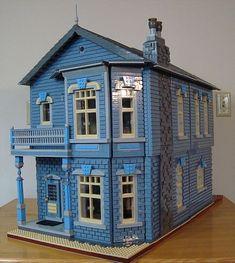 Victorian VI at Brickworld 2010: A LEGO® creation by SoftaRae . : MOCpages.com