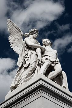 Gothic Angel Statues - - - Angel Statues Design - Statues Of Women Sculpture Aesthetic Statue, Aesthetic Art, Aesthetic Grunge, Zeus Statue, Greek Statues, Ancient Greek Sculpture, Statue Tattoo, Roman Sculpture, Stone Statues