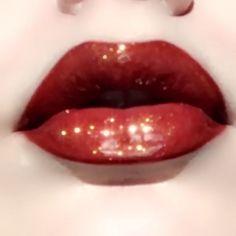 #LipPencil Makeup Inspo, Makeup Art, Makeup Inspiration, Makeup Tips, Fairy Makeup, Mermaid Makeup, Movie Makeup, Makeup Blog, Lip Makeup Tutorial