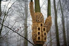 自然との融合、巣箱で作られた芸術「the Tree of Heaven」 | roomie(ルーミー)