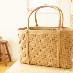 Bamboo Art, Bamboo Crafts, Bamboo Weaving, Basket Weaving, Ribbon Hair Clips, Bamboo Basket, Handicraft, Arts And Crafts, Sewing