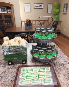 Straw Bales, Hay Bales, John Deere Party, Country Girl Style, Rice Crispy Treats, Cup Cakes, Decor Crafts, Tractor, 2nd Birthday