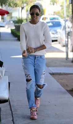 Kelly Rowland leaves Petrossian restaurant after having lunch with her son and the nanny Featuring: Kelly Rowland Where: Los Angeles, California, United States When: 08 Mar 2016 Credit: Michael Wright/WENN.com