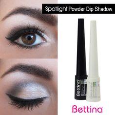 Este fin de semana, que tus ojos sean los protagonistas de tu maquillaje. Una idea: combina los colores blanco y negro para crear un efecto de profundidad con iluminación en tus ojos.