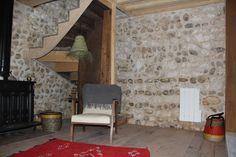 Rénovation intérieur à la chaux, maison de pêcheur normande Isolation, Garages, Home Decor, Attic Spaces, Brick, Traditional Interior, Whitewash, Home, Decoration Home