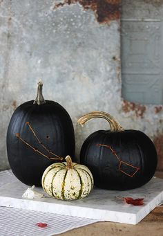 DIY Constellation Pumpkin By The Merrythought - http://www.decoradecor.com/diy-constellation-pumpkin-by-the-merrythought.html