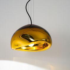 AUSUM S - Organische Hängeleuchte. Aussergewöhnliche Designpendelleuchte aus mundgeblasenem goldfarbenem oder silberfarbenem Glas.