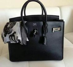 Can't go wrong with a black Hermès Bag