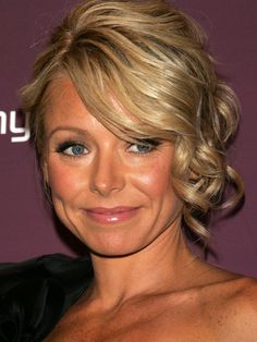 Kelly Ripa curly updo side part