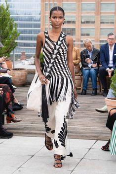Oscar de la Renta Spring 2019 Ready-to-Wear Collection - Vogue Fashion Week, New York Fashion, Look Fashion, High Fashion, Fashion Show, Fashion Design, Fashion Trends, Fashion 2018, Robes D'oscar
