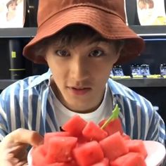 Nct 127 Mark, Mark Nct, Nct U Members, Eating Watermelon, Taeyong, Boyfriend Material, Jaehyun, Nct Dream, Boy Groups