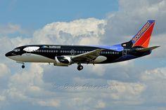 """N334SW Southwest Airlines """"Shamu"""""""