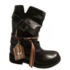 Leather boots with strap, by Felmini, 8562