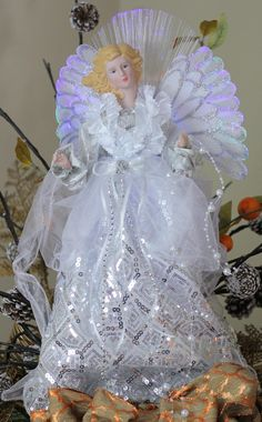 Christmas Tree Angel, Ghost Of Christmas Past, Christmas Tree Toppers, Christmas Ornaments, Pearl Garland, Angel Decor, Glamour Dolls, Airplane Mode, Angel Ornaments