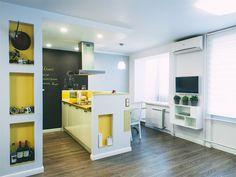 5-cozinha-com-bancadas-em-madeira-e-parede-de-giz