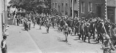 Click for: Marching through Jamestown (Click to see the full-sized image, opens in a new window or tab) [Saint Helena Island Info:Boer Prisoners (1900-1902)]