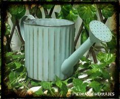 Cra 52 # 45-23 Carabobo Cra 54 # 49-19 Cucuta  Tel.(+574) 511 78 17 Cel.(+57) 3127994768 Medellín – Colombia  #Jarras #Vintage #Decoracion #Jardin #Jardines #Materos #Regaderas