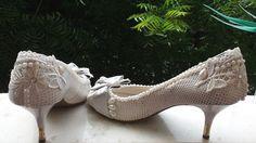 Sapato usado de cara nova! Um toque especial e está pronto para uma festa!!! Personalize o seu....WhatsApp(85)988438800