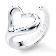 Tiffany & Co Elsa Peretti Open Heart Ring. I like Elsa Peretti jewelery! Elsa Peretti, Tiffany Jewelry, Tiffany Necklace, Tiffany Bracelets, The Bling Ring, Bling Bling, Tiffany And Co Outlet, Just In Case, Just For You