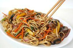 Vegetable Lo Mein. Easy and versatile - swap in whatever veggies you love! | thegardengrazer.com | #vegan