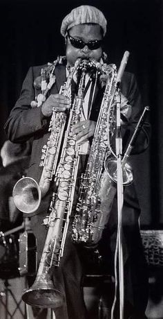 Rahsaan Roland Kirk - immensely entertaining and inventive jazz saxophonist. Blind since a young age, he developed a strong appreciation for all jazz styles, and not comically, he could play multiple instruments at the same time. Sound Of Music, Music Is Life, My Music, Music Stuff, Jazz Artists, Jazz Musicians, Roland Kirk, Jazz Cat, Free Jazz