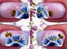 Flor com pétala dobrada Priscila Unhas Artísticas