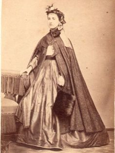 EXCEPTIONAL-BEAUTY-IN-HIGH-FASHION-FINE-MD-CDV-CAPE-MUFF-SATIN-SKIRT-HAT