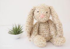 Free crochet pattern for a floppy bunny Crochet Gratis, Crochet Amigurumi, Amigurumi Patterns, Crochet Dolls, Crochet Baby, Free Crochet, Knit Crochet, Knitting Patterns, Easter Crochet Patterns