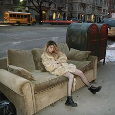 swag hair girl cute fashion eyes Cool beautiful shorts style skinny hipster vintage Model NYC Grunge city lips blonde 90's punk new york polaroid 80's pink hair oldschool Couch skyferreira grunge style shwag