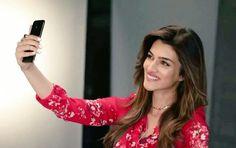 Bollywood Couples, Bollywood Girls, Bollywood Actors, Bollywood Celebrities, Bollywood Fashion, Holi Girls, Ideas For Instagram Photos, Green Velvet Dress, 22 November