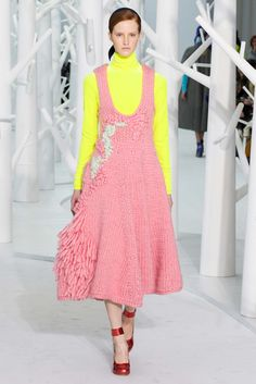 #SweaterEnvy #ReFashionEnvy Delpozo Fall 2015 Ready-to-Wear Fashion Show - Magdalena Jasek
