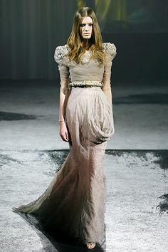 Givenchy Spring 2007 Couture Fashion Show - Lara Stone
