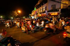 The beuty of Hanoi at night