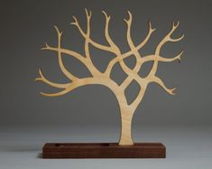 Ecologico in legno Tree Stand gioielli / di TreebirdWoodDesigns
