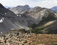 A Superb Hike to Guinn Pass in Kananaskis Country - Hike Bike Travel Go Hiking, Hiking Trips, Backpacking, Alberta Travel, Walk The Earth, Day Hike, Beautiful World, Wonders Of The World, Travel Photos