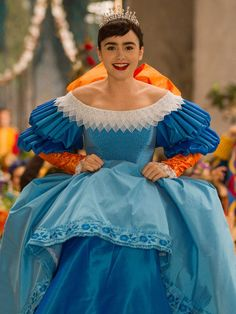 リリー・コリンズ(Lily Collins) photo : AFLO Lily Collins, Lily James, Snow White Movie, Girls Mirror, Mirror Mirror, Eiko Ishioka, T Movie, Cosplay, Movie Costumes