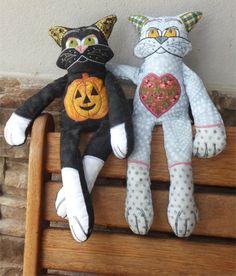 Machine Embroidery Projects, Dinosaur Stuffed Animal, Shelf, Kitty, Toys, Animals, Needlepoint, Little Kitty, Activity Toys