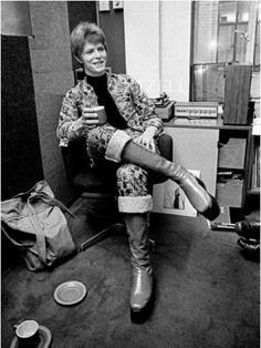 1972 - David Bowie (photo by Brian Ward). David Bowie, The Nobodies, Ziggy Played Guitar, Mick Ronson, Bowie Starman, Lovers Eyes, Have A Great Sunday, The Thin White Duke, Major Tom