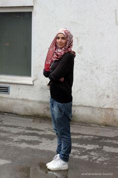 Hijab Jeans, Modest Fashion Hijab, Hijab Outfit, Street Wear, Dress Up, Abayas, Hijabs, Camping Tips, My Style