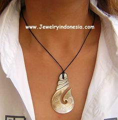 Carved Pearl Shell Necklace Pendants