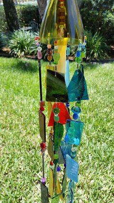 windspiel im garten aus galsst cken und glasperlen selber machen windspiele basteln. Black Bedroom Furniture Sets. Home Design Ideas