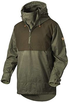 Anorak by Swedish clothing brand Fjallraven is a technical and premium-quality anorak for demanding treks, capable of withstanding tough conditions in the forest and mountains throughout the year. Outdoor Outfit, Outdoor Gear, Tactical Clothing, Cool Gear, Looks Cool, Mode Style, High Collar, Mantel, Hooded Jacket