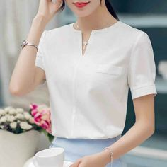 Disappearancelove 2017 chiffon shirt female summer all-match V-neck short-sleeve fashion shirt blouse Blouse Styles, Blouse Designs, Pretty Outfits, Pretty Dresses, Formal Blouses, Sewing Blouses, Shirt Blouses, Shirts, Blouse And Skirt