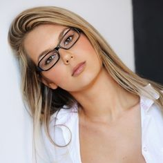 Best Eyeglass Frame Color For Blondes : 1000+ images about black framed glasses on Pinterest ...
