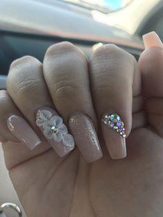 Amazing Nail Art Designs - Nails C 3d Nail Designs, Flower Nail Designs, Acrylic Nail Designs, Rhinestone Nails, Bling Nails, 3d Nail Art, 3d Flower Nails, Nagel Bling, Nails Design With Rhinestones